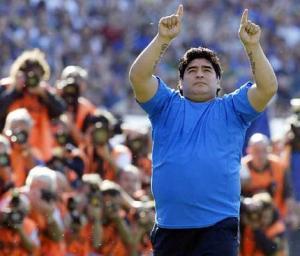 Maradona tendrá muchos retos desde el banquillo