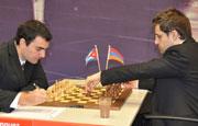 Leinier venció al armenio Aronian