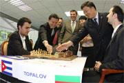Leinier junto al presidente de la FIDE