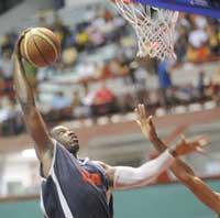 Geoffri Silvestre, el mejor jugador cubano de baloncesto se perderá otro importante evento