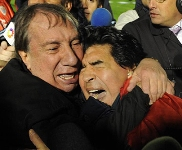 Maradona y Bilardo se abrazan...lástima las declaraciones posteriores del Pibe