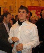 Carlsen sonríe satisfecho. Ya es campeón mundial de blitz (Foto tomada de Chessbase.com)