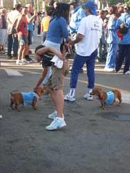 La familia vino completa...hasta los perritos estuvieron en el Prado