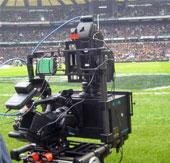 Una de las modernas cámaras de Sony para la transmisión en 3D del Mundial