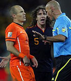 Webb no convenció a ninguno de los dos bandos en la final del Mundial de Sudáfrica