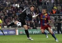 Alves jugó otro excelente partido