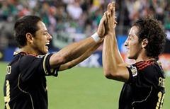 Chicharito ya tiene 5 goles, dos de ellos los marcó contra Cuba
