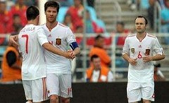 Dos de los goleadores ante Venezuela: Villa y Xavi Alonso