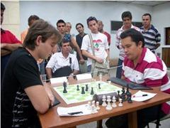 El villaclareño Diasmany Otero (a la derecha) ganó el evento (foto tomada por Osmany Pedraza)